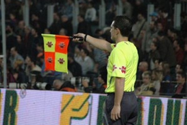 Les 2Assistant_referee